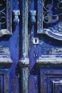 http://ipeterpan.tumblr.com/post/49450516239/carleenallen-portugal-algarve-blue-door